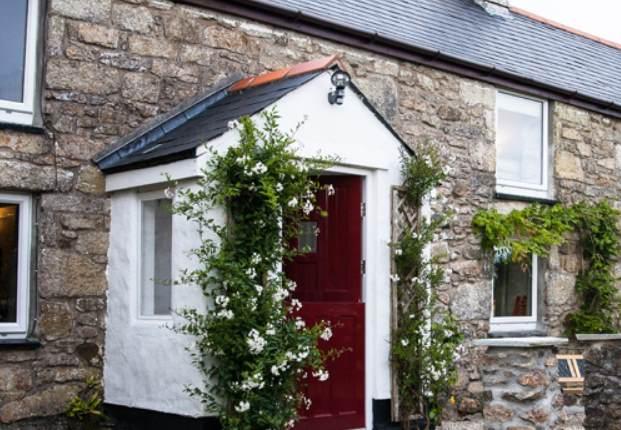 The Farmhouse - Caddys Corner, Carnmenellis, Nr Falmouth, South CornwallCaddys C